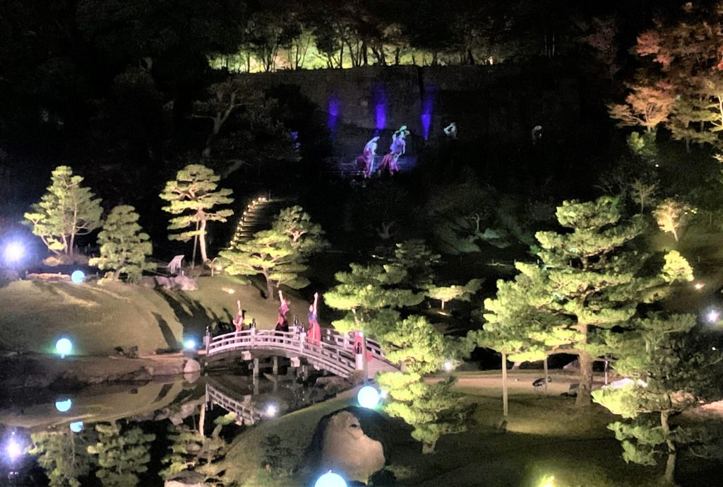 【紅葉】石川・金沢兼六園の見頃・混雑時間・駐車場やライトアップ2019について KANAZAWA ART SHOW MYSTIC GARDEN