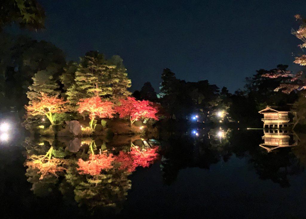 【紅葉】石川・金沢兼六園の見頃・混雑時間・駐車場やライトアップ2019について 2019霞ヶ池ライトアップ01
