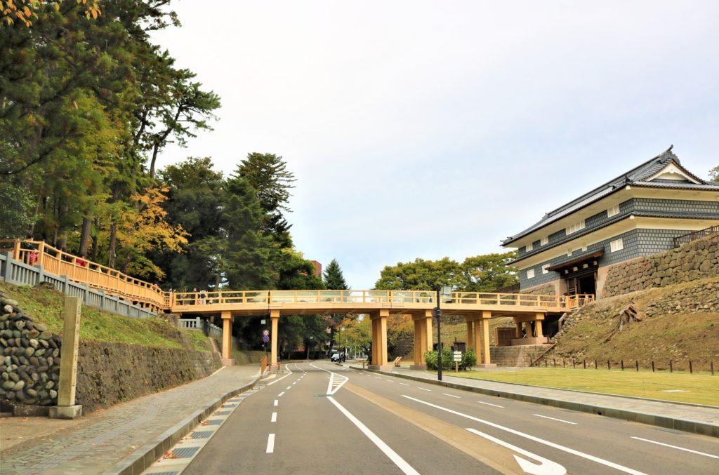 【紅葉】石川・金沢兼六園の見頃・混雑時間・駐車場やライトアップ2021について 鼠多門と鼠多門橋