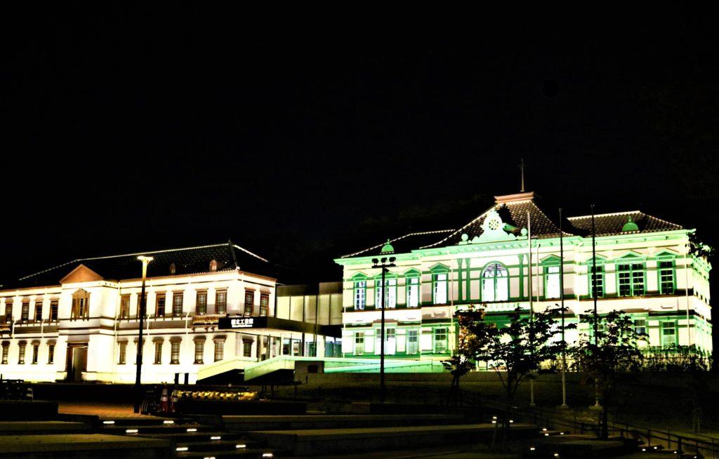 【紅葉】石川・金沢兼六園の見頃・混雑時間・駐車場やライトアップ2020について 国立工芸館 ライトアップ