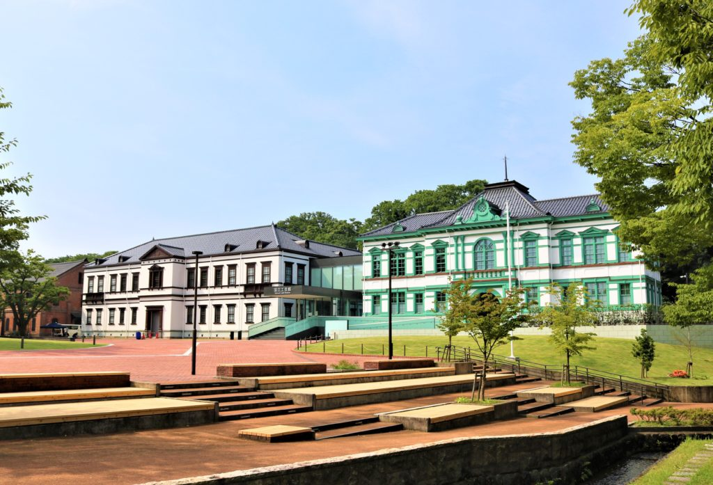【紅葉】石川・金沢兼六園の見頃・混雑時間・駐車場やライトアップ2020について 国立工芸館