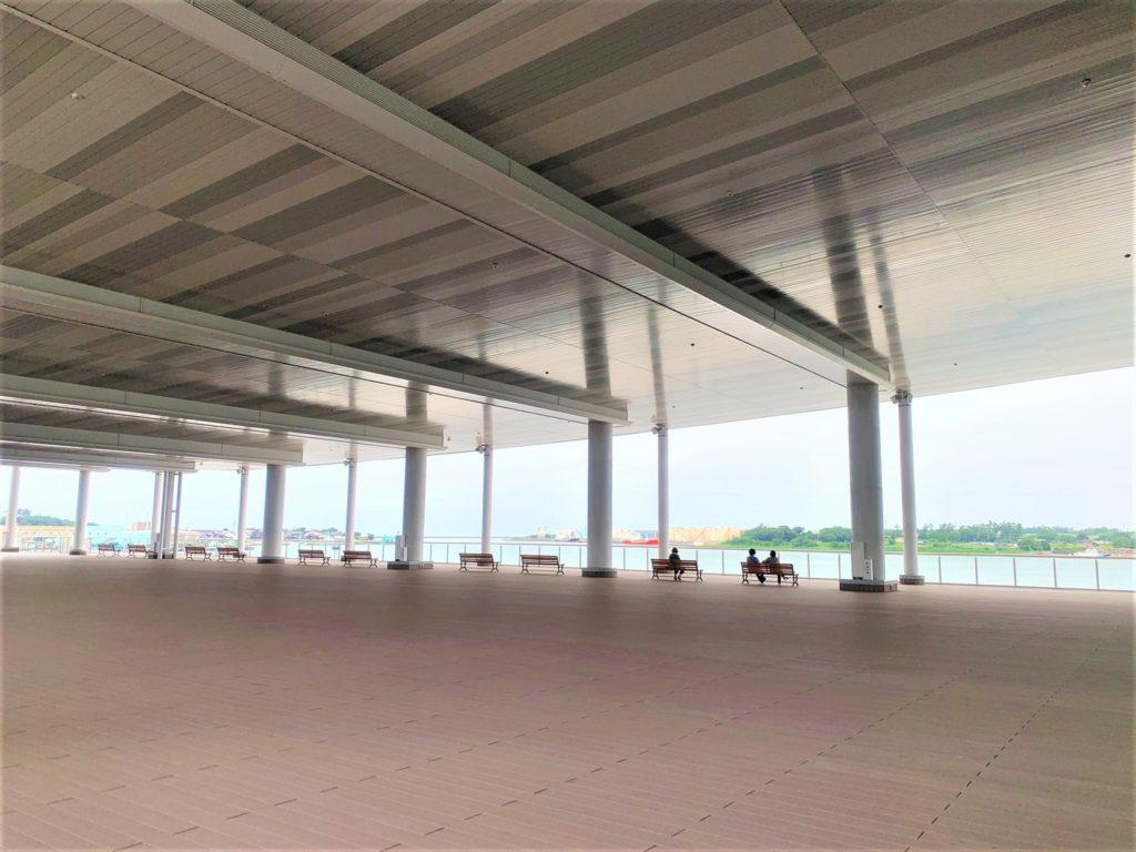 【紅葉】石川・金沢兼六園の見頃・混雑時間・駐車場やライトアップ2020について 金沢港クルーズターミナル 展望デッキからの眺め