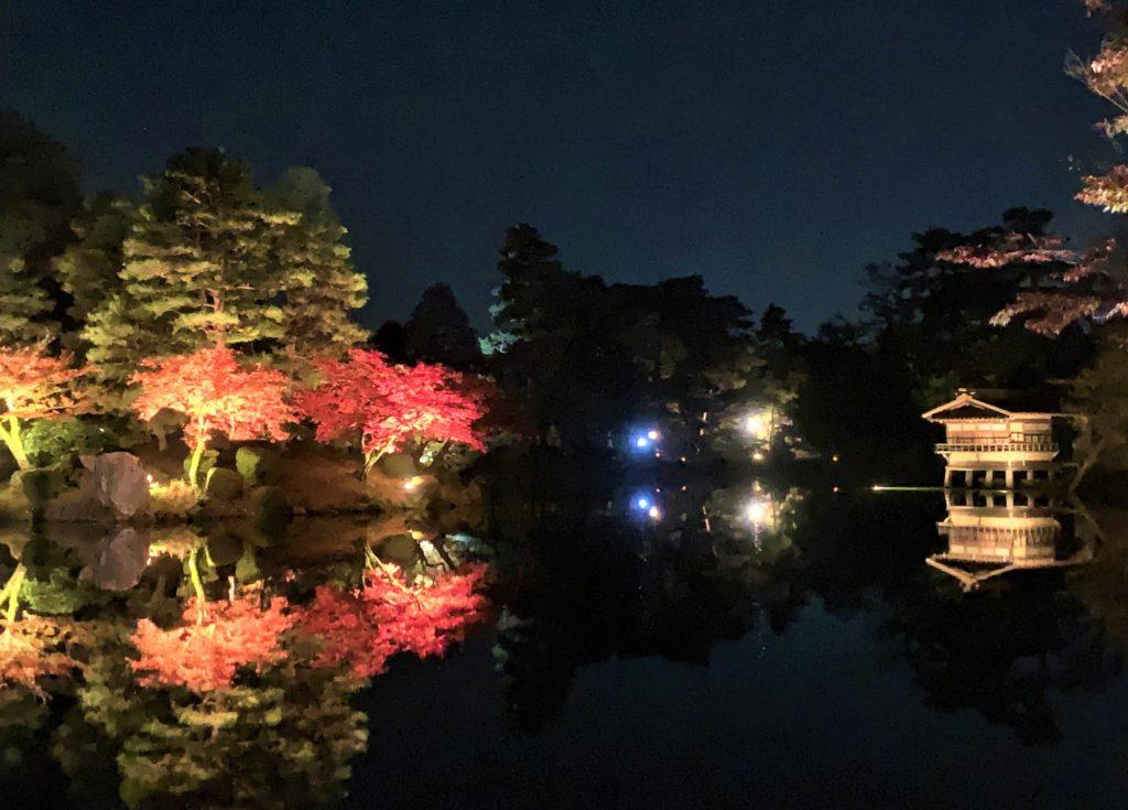 【紅葉】石川・金沢兼六園の見頃・混雑時間・駐車場やライトアップ2021について 2021霞ヶ池ライトアップ01