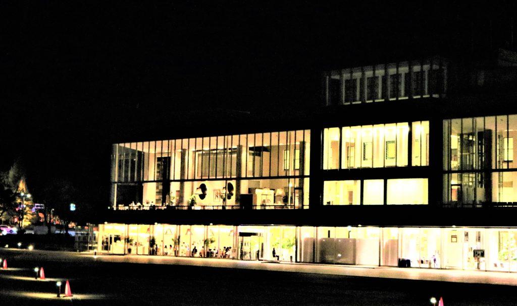 【紅葉】石川・金沢兼六園の見頃・混雑時間・駐車場やライトアップ2019について 夜間のしいのき迎賓館