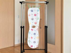 女の子の出産祝いプレゼント11選!実用的や育児に役立つ贈り物 スリーパー・干した状態
