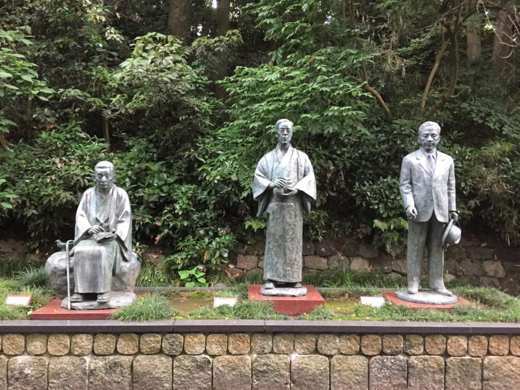 石川県金沢のホタルの観賞時期・時間帯・おすすめスポット2020 金沢城外濠公園白鳥路 金沢三文豪の像