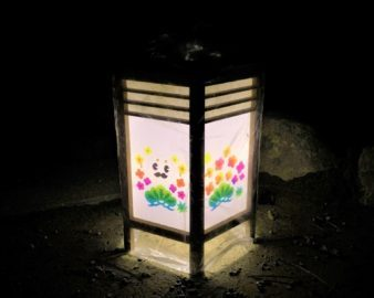 【紅葉】石川・金沢兼六園の見頃・混雑時間・駐車場やライトアップ2021について 兼六園ライトアップ行灯02
